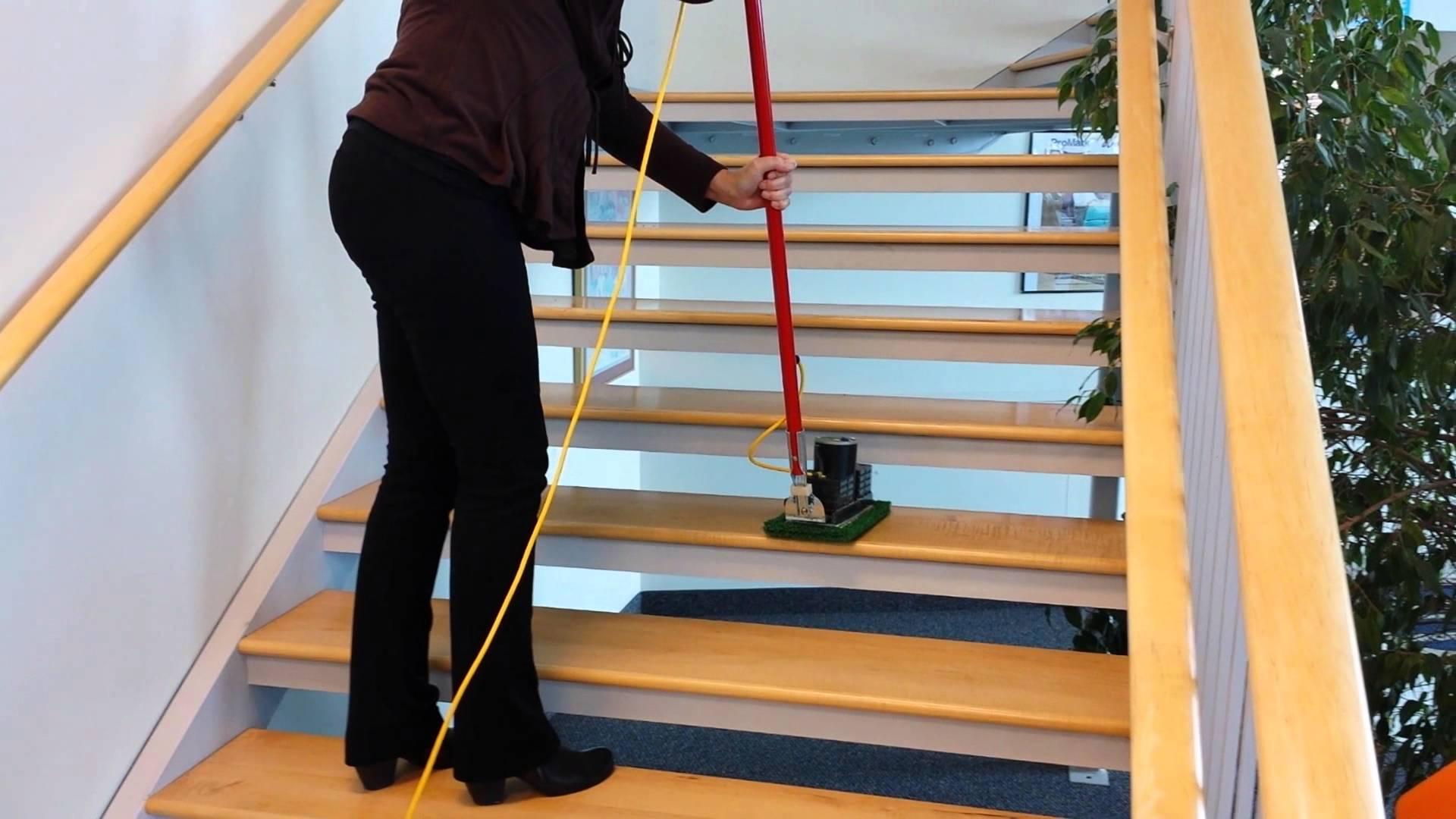 stairs cleaning machine